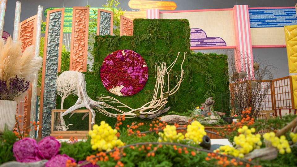 テレビ東京「アッパレ!日本の縁の下さま」 番組美術セット装飾(装花・司会者MC卓・高砂および背景)