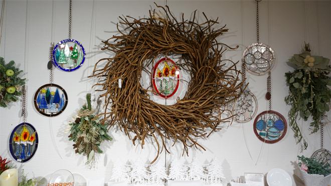 Glass & Art MOMO & Tida Flower Christmas exhibition 2015 エントランス 小枝のリース