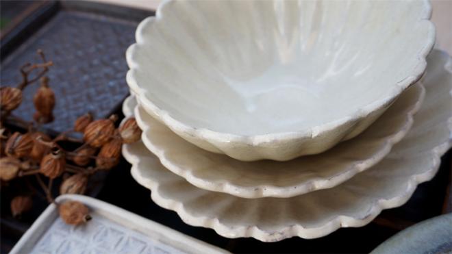 堂本陶工房 粉引き菊形