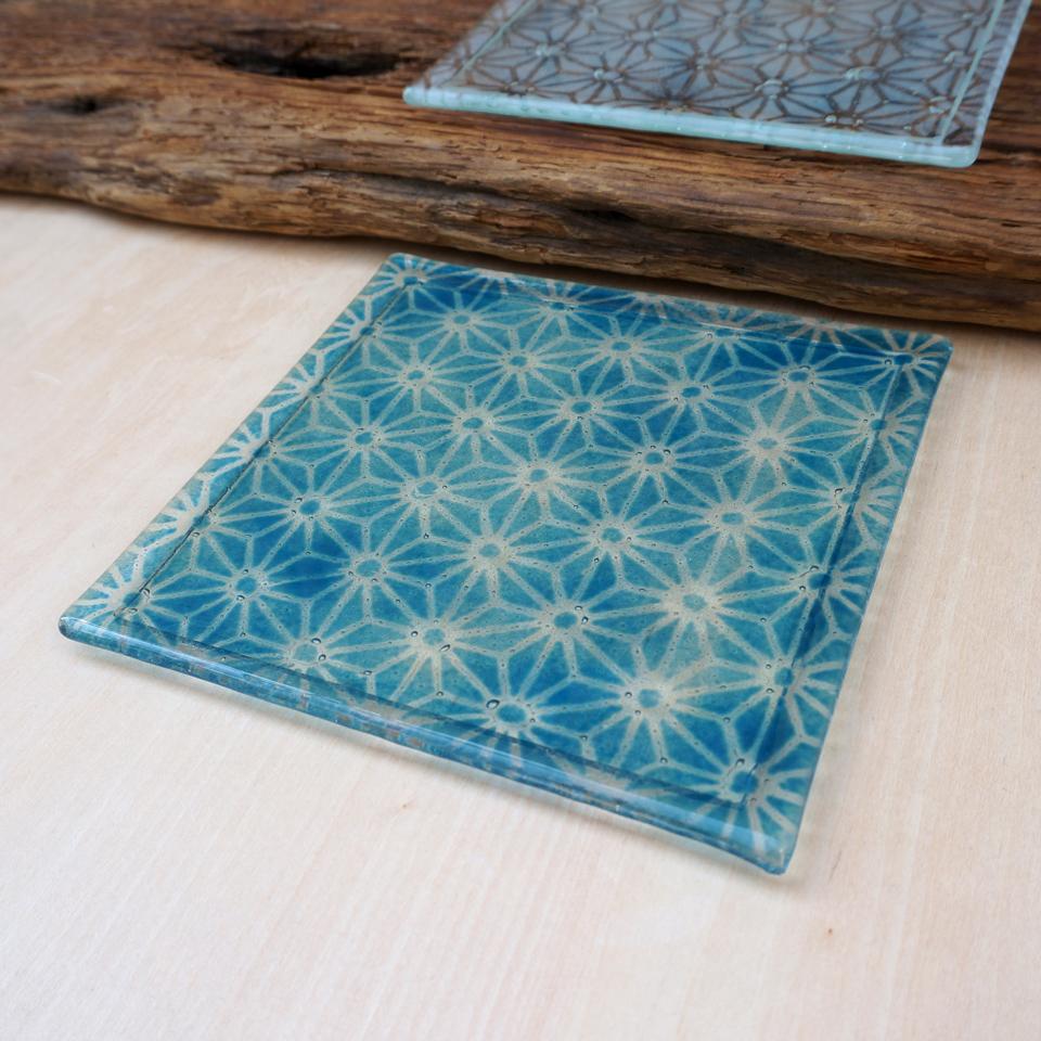 TOKYO FANTASTIC × Glass&Art MOMO 麻の葉 ガラス 角皿 青と白