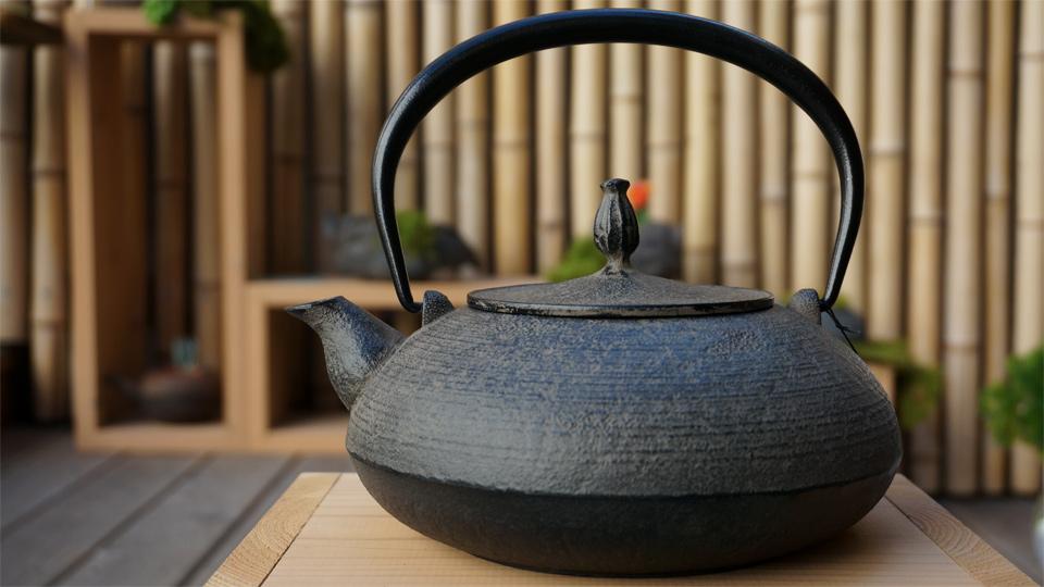 南部宝生堂(及富 OITOMI)南部鉄器 鉄瓶 平丸糸目