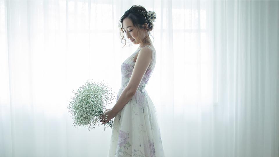 かすみ草のウェディングブーケ ウェディングフォト  THE DRESS ROOM × FAV PHOTO WEDDING with Tida Flower