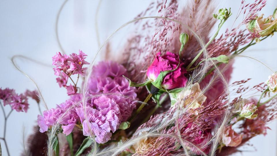 Tida Flowerのフレームフラワー。ピンク系っぽい正方形・ふつうスリム